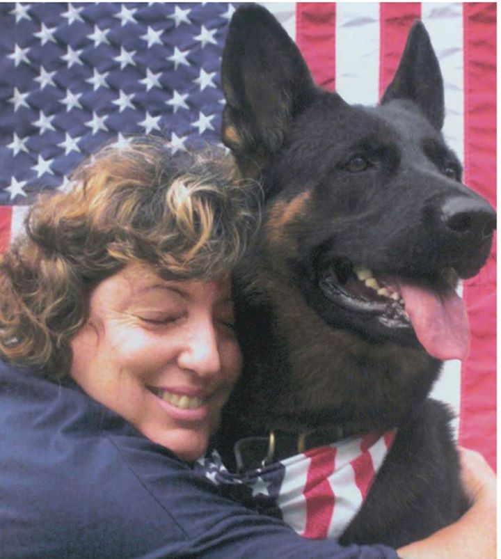 anna-with-handler-and-best-friend